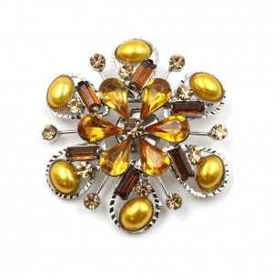 Broche bijoux en strass diamètre 4.5cm - marron clair
